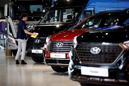 中国事業が不振の現代自動車の展示車両=韓国(ロイター)