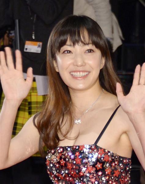 セクシー衣装の菅野美穂
