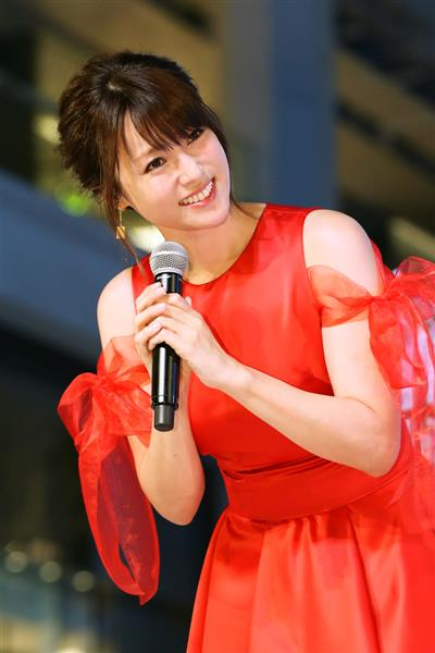 セクシー深田恭子、初点灯式に笑みこぼれた