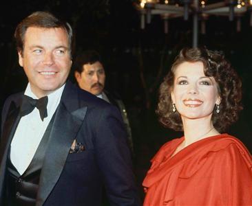 1978年のアカデミー賞に出席したナタリー・ウッドさん(右)とロバート・ワグナー(AP)