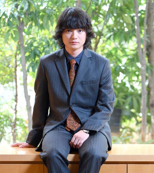 スーツの染谷将太