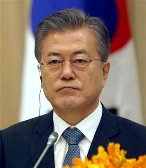 """韓国・文大統領、日本企業に""""泣きつき"""" 「経済交流は政治とは別」外資 ..."""