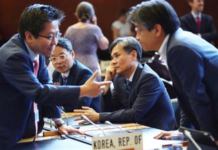 WTOの一般理事会(ロイター)。世耕氏は実態と異なる報道に反論した