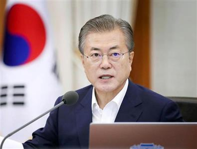 文氏は、習近平国家主席率いる中国の傀儡と化した(韓国大統領府提供、共同)