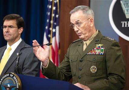 韓国への失望を隠さないダンフォード統合参謀本部議長(右)とエスパー国防長官(AP)
