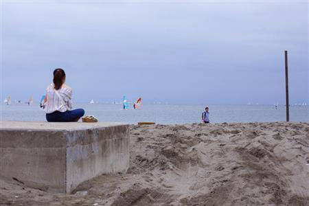 去りゆく夏にしがみつくため、海へ…