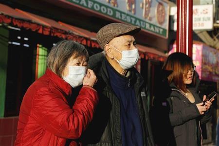 サンフランシスコのチャイナタウンでもマスク姿の人が目立つ(ロイター)