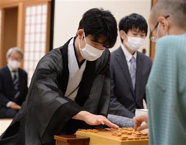 ヒューリック杯棋聖戦第4局に臨む藤井聡太七段