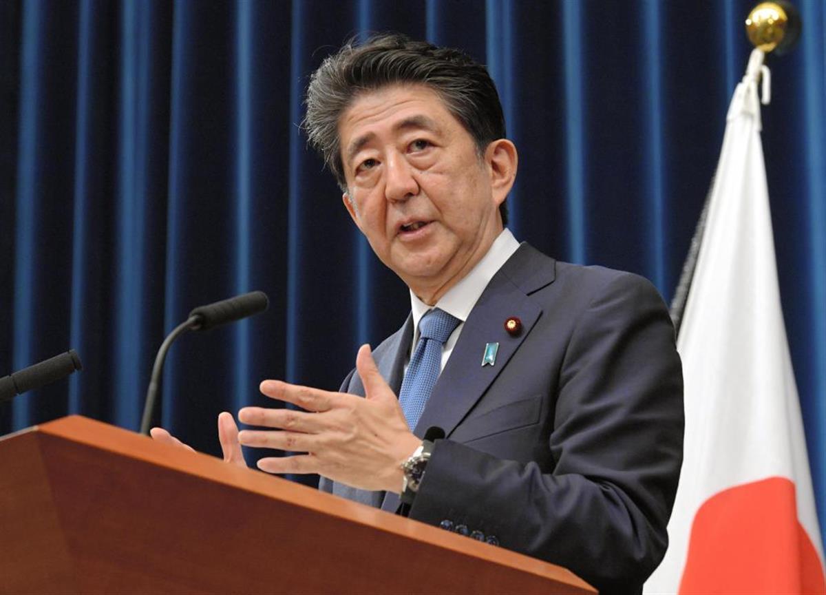 記者会見で辞任の意向を語る安倍首相=官邸(代表撮影)