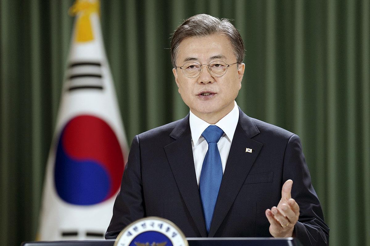 韓国の文在寅大統領(韓国大統領府提供=共同)