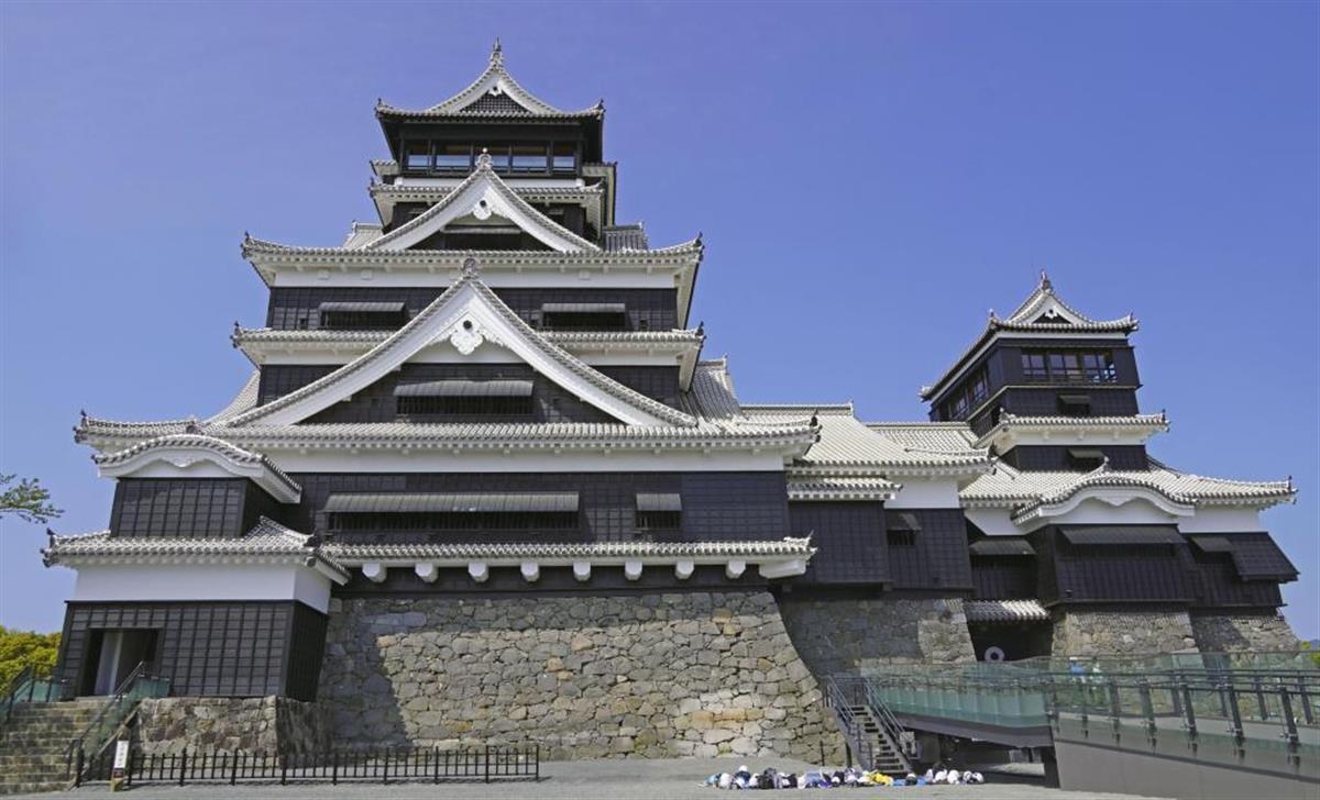 5年ぶりに内部を一般公開する熊本城天守閣=6日午前、熊本市