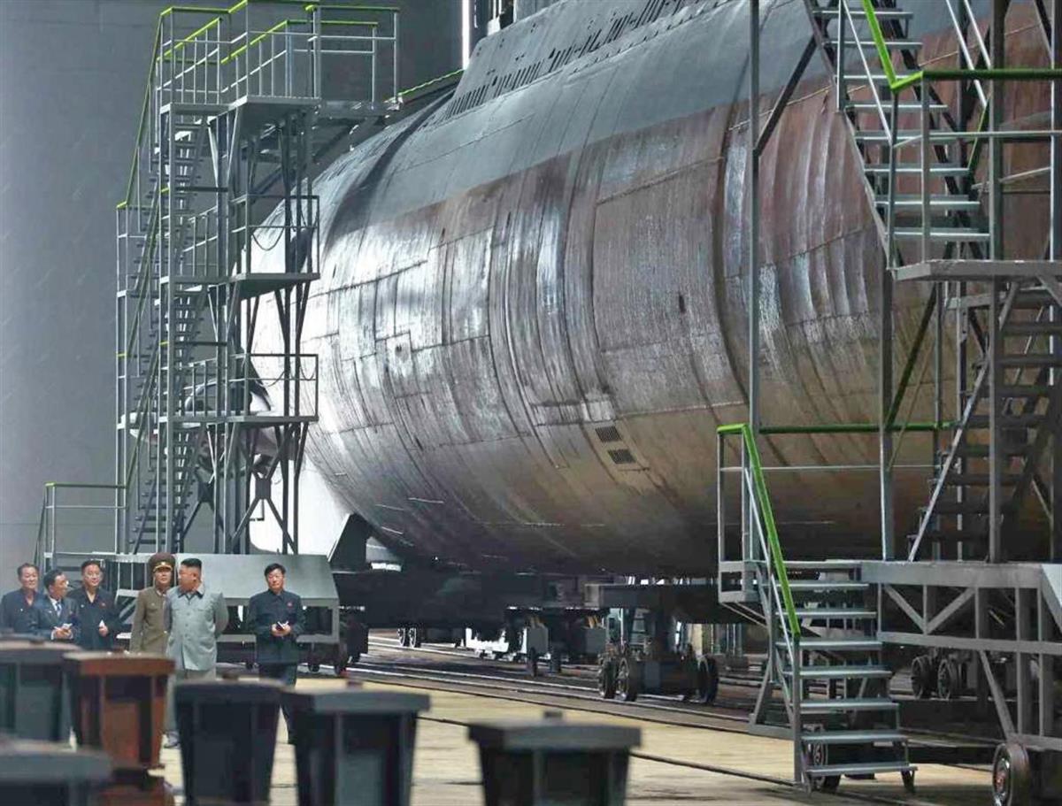 2019年の労働新聞に掲載された北朝鮮の潜水艦(コリアメディア提供・共同)