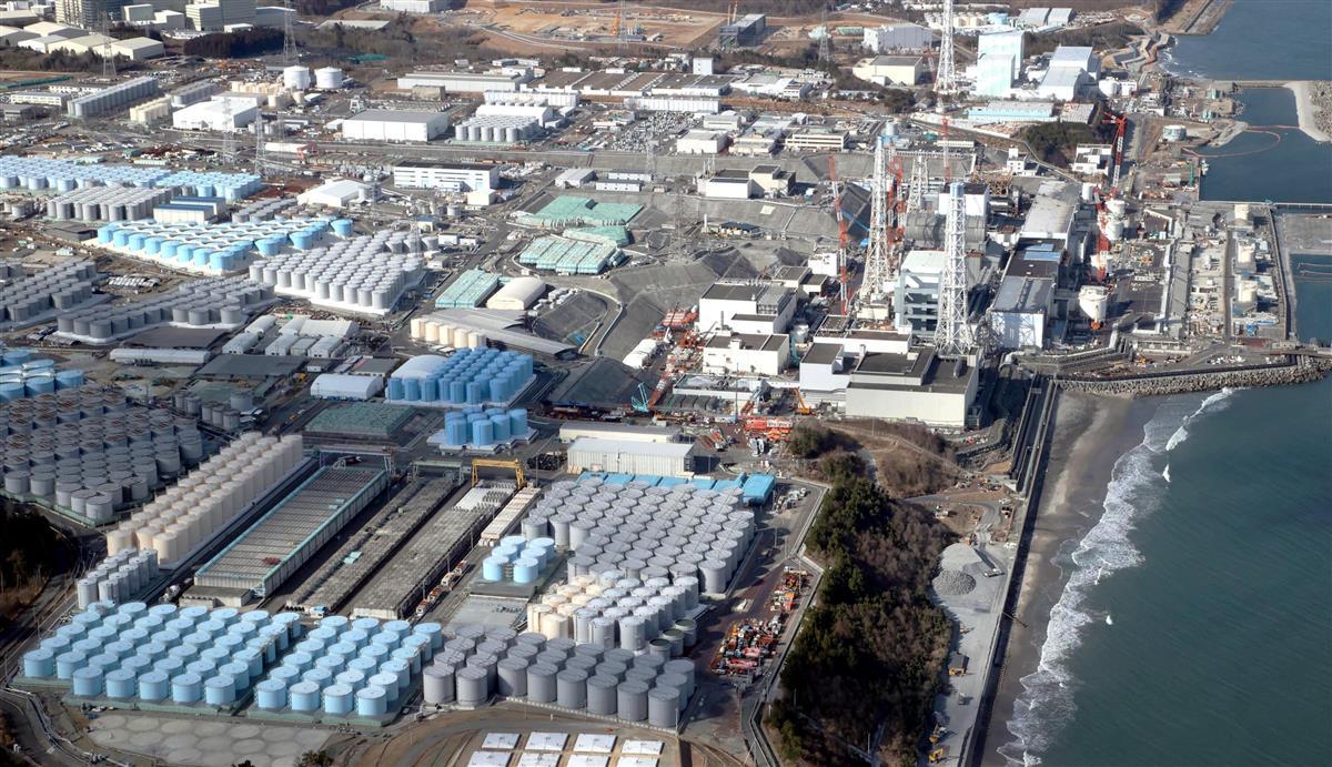 処理水タンクが並ぶ東京電力福島第1原発
