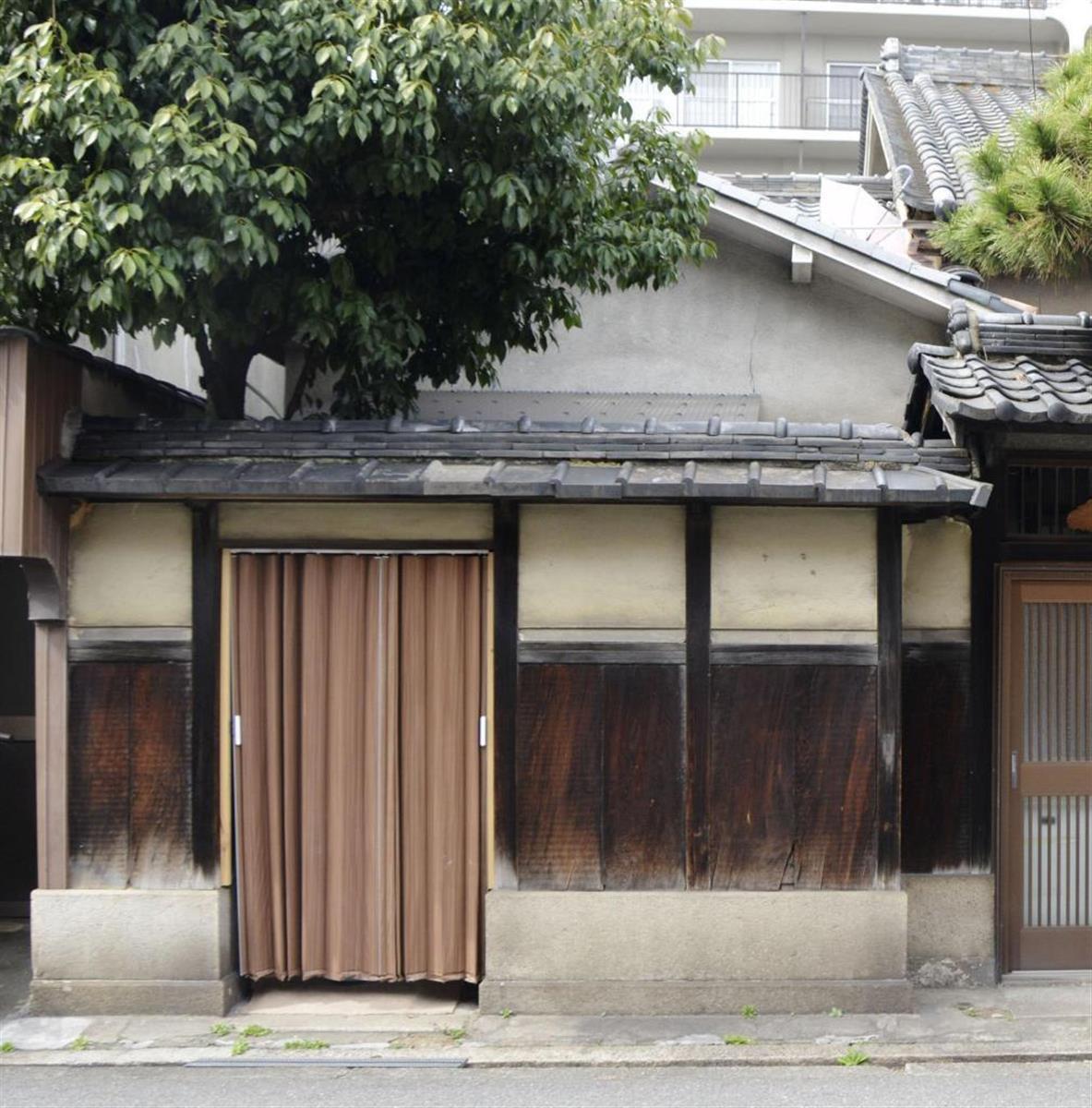 遺体の一時保管場所として利用された民泊施設=3月、大阪市(共同)