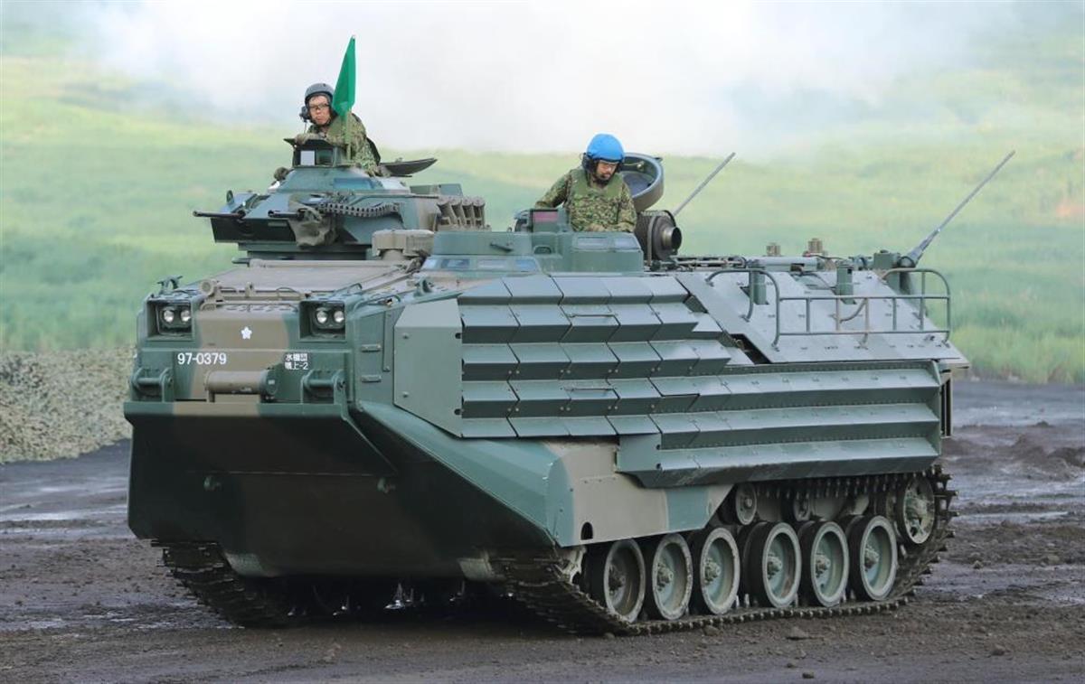 水陸機動団に配備された水陸両用車「AAV7」