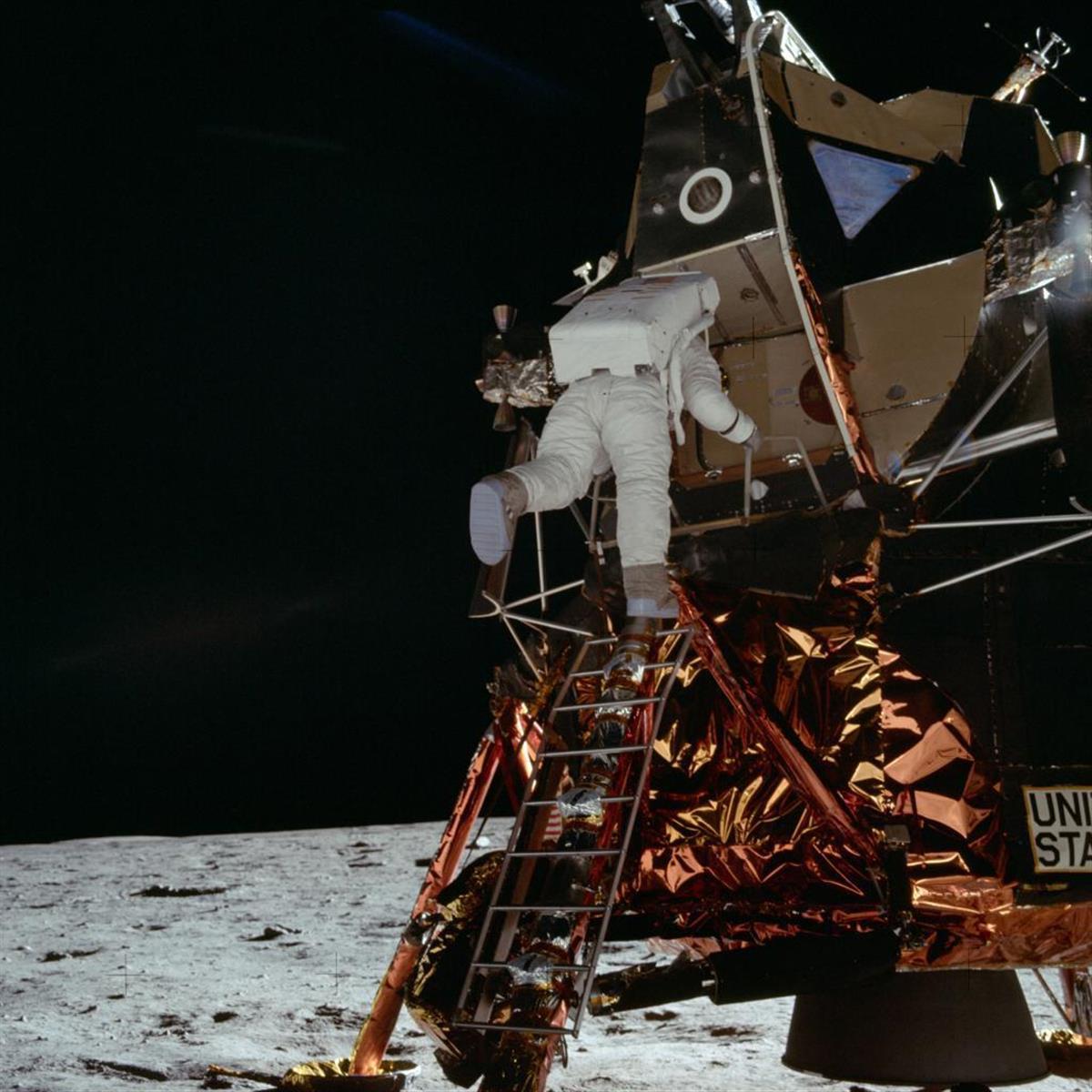 アポロ計画に参加した宇宙飛行士も多くのリスクをともなったようだ(NASA提供)
