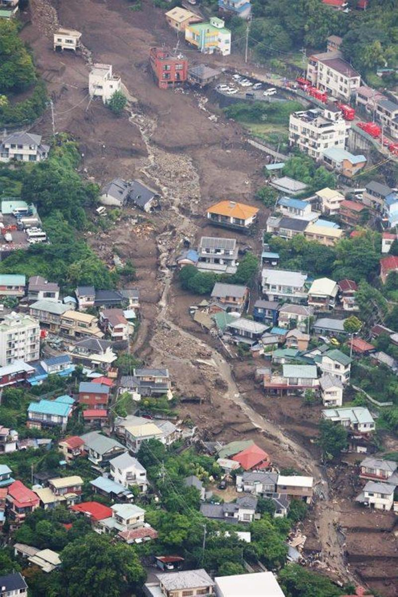熱海を襲った土石流は、造成地が原因との情報が(時事通信フォト)