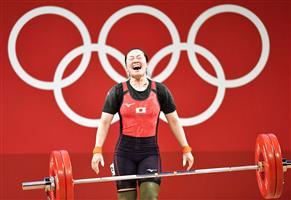 """練習中に負傷、逆境を乗り越え""""安堵の銅"""" 女子重量挙げ59キロ級「銅」安藤美希子"""