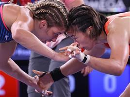 姉妹で頂点!!笑顔キラリ レスリング女子57キロ級「金」川井梨紗子