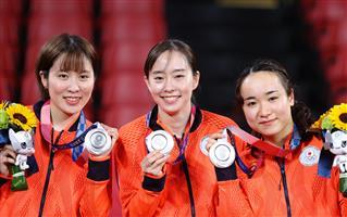 3人娘逆襲誓う 卓球女子団体「銀」石川佳純、伊藤美誠、平野美宇