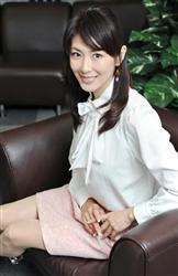 """【山田佳子】46歳""""美魔女""""奇跡の美貌の秘密とは? - ぴいぷる ..."""