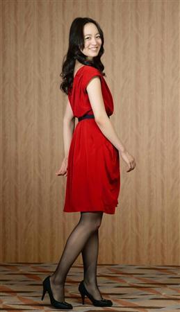 ミニスカート姿の朝倉あきさん