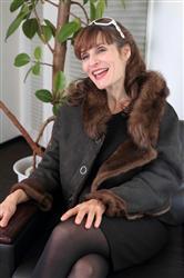 【クレモンティーヌ】ボサノバ・バージョン「天才バカボン」で脚光! 幸せの秘訣は「常に笑うこと」
